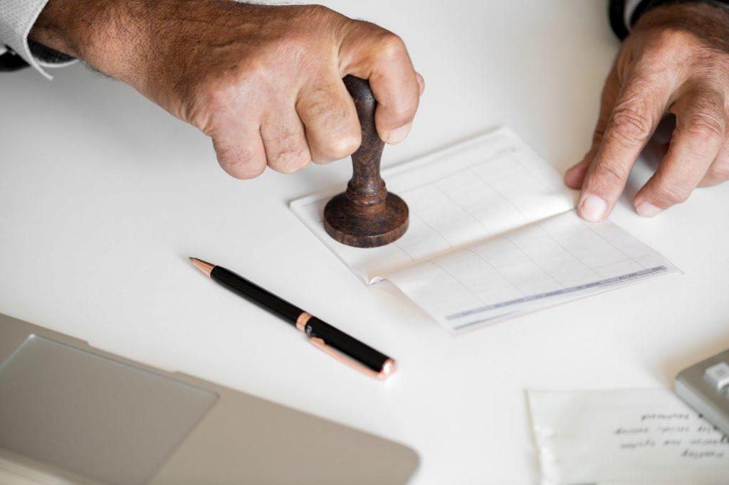 Como fazer tradução juramentada de documentos