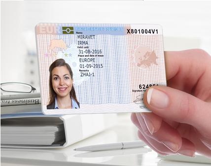Work Permit X Green Card? Tudo o que você precisa saber