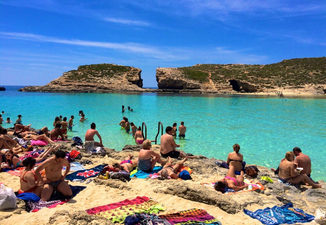 Nada no mar em Malta